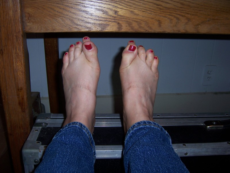 Mb_toes